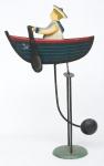 """Antigo móbile em ferro esmaltado, representando """"menino marinheiro com seu barquinho a remo"""". Alt.: 44cm."""