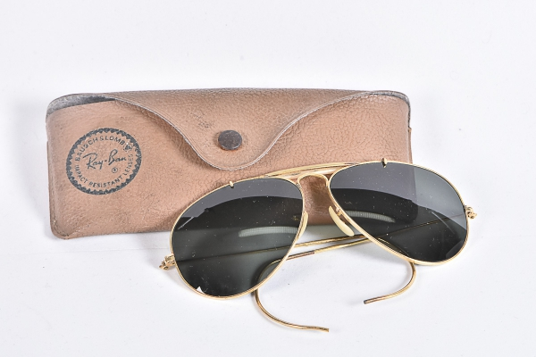 ce503f0508b63 RAY-BAN. Antigo óculos americano de proteção solar modelo