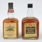 """Dois Whiskies de coleção escoceses das marcas """"Campbell's"""" e """"Aberlour""""."""