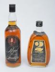 """Dois raros Whiskies de coleção escoceses das marcas """"Royal Tradition"""" e """"2 Towers""""."""